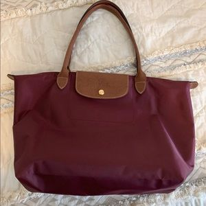 Long champ tote! Medium size